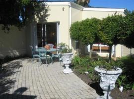 Navona Constantia Guest Cottage