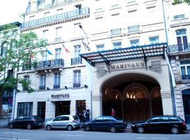 マリヴォー ホテル