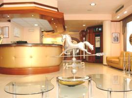 Hotel Mondial, มาร์เกรา