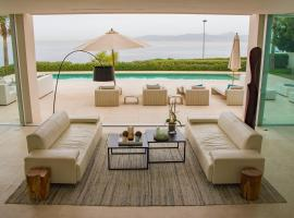 The Saphire Coast Villa, กาลาบลาวา