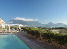 Cape Town Beachfront Apartments at Leisure Bay, เคปทาวน์