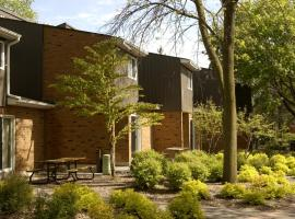 University of Toronto Scarborough Housing, โตรอนโต
