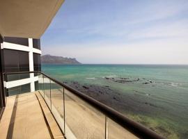 1102 Ocean View, Strand