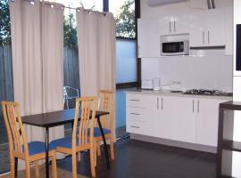 Westside Serviced Apartments, Laverton