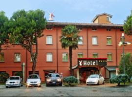 Hotel Molino Rosso, อิโมลา