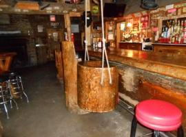 The Jack Saloon, Lolo
