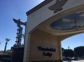 Thunderbird Lodge, ริเวอร์ไซด์