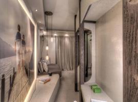 Harbor Suites, พีเรียส