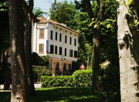 Albergo Villa Ombrosa, サンタンドレーア・バーニ