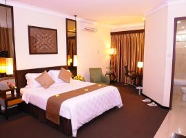 Plaza Hotel Semarang, スマラン