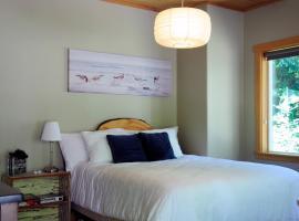 Henderson Beach Bed & Breakfast, Roberts Creek