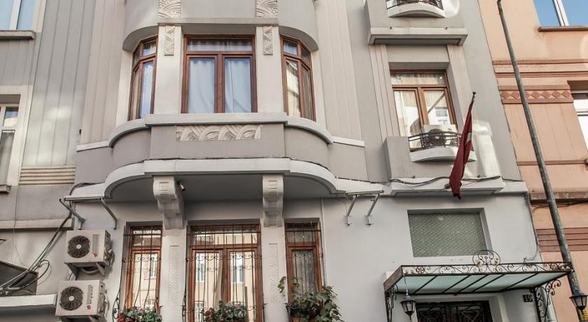 La casa suites istanbul turkey great discounted rates for Luce suites taksim