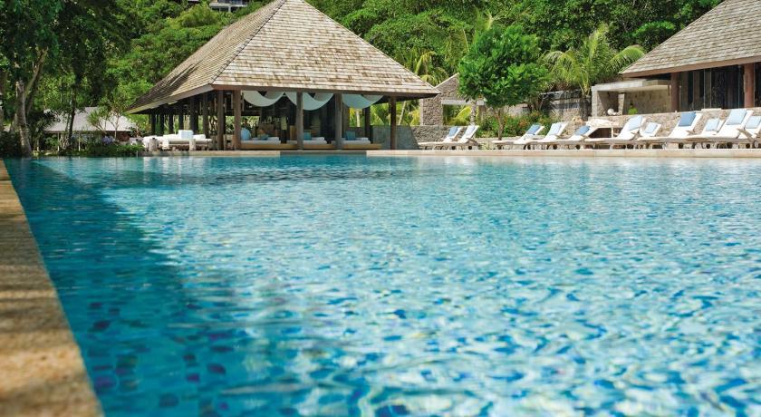 плавательный бассейн Four Seasons Resort Seychelles