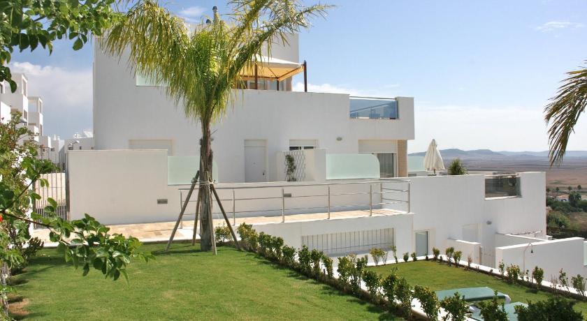 Apartamentos mirador del prado conil de la frontera for Apartamentos puerta del sol conil