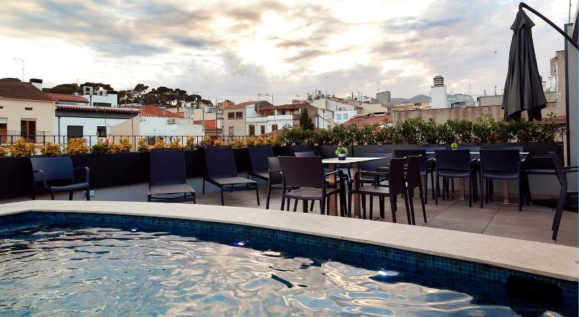 hoteles con encanto en arenys de mar  16