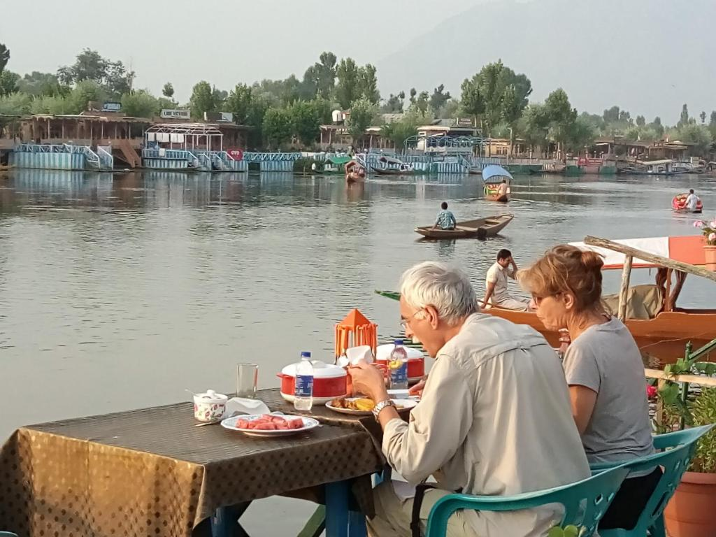 PROMO] New Kharpalace Group Of Houseboats Cheap Hotels Srinagar