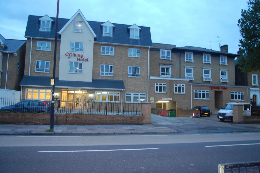 Viking Hotel.