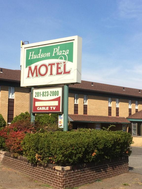 Hudson Plaza Motel.