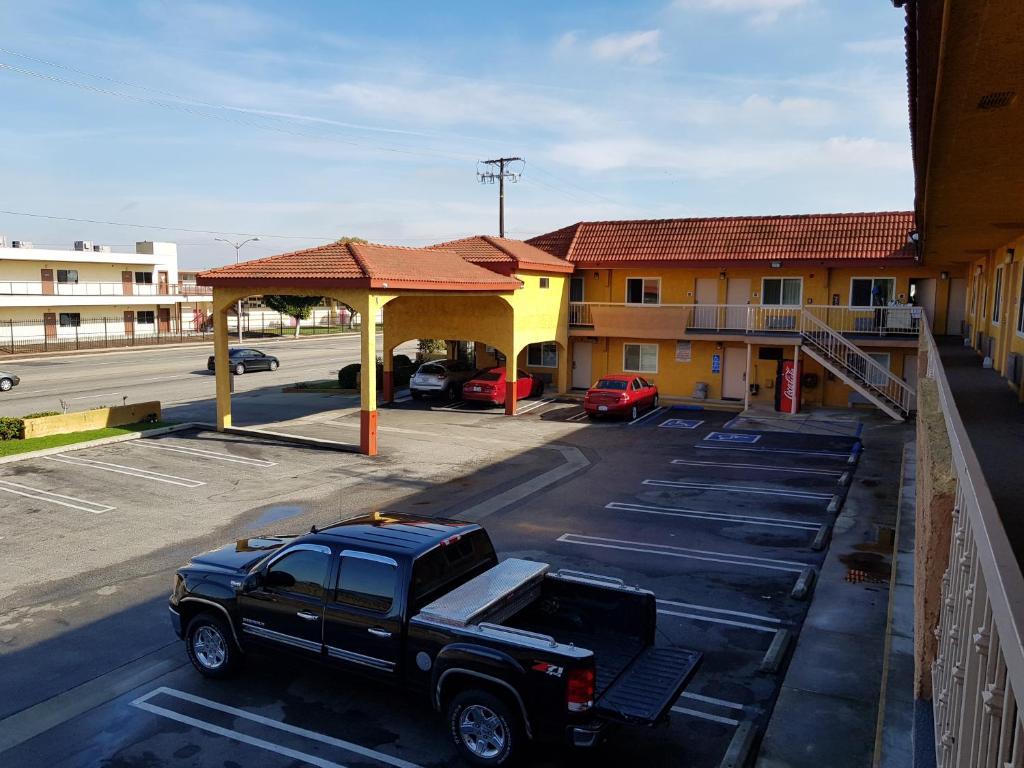 El Segundo Inn.