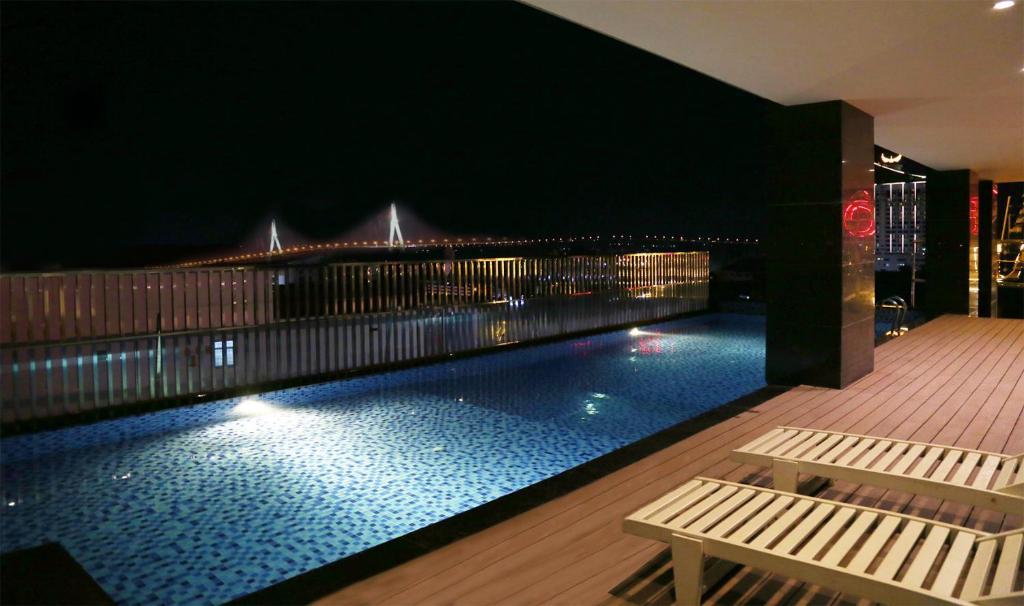 Hồ bơi trong/gần Dong Ha Fortuneland Hotel