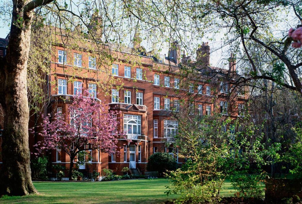 Draycott Hotel.