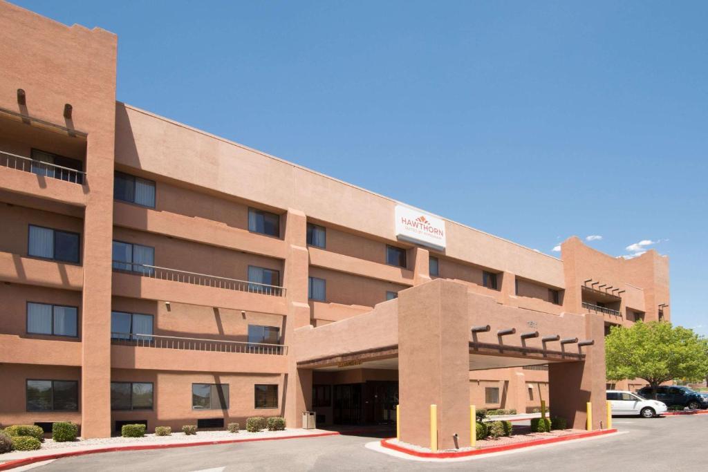 Hawthorn Suites by Wyndham Albuquerque.