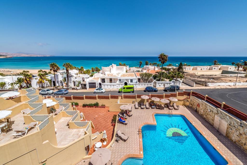 วิวสระว่ายน้ำที่ Apartamentos Morasol หรือบริเวณใกล้เคียง