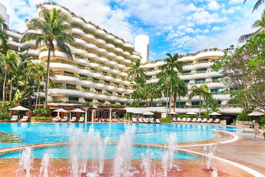 สระว่ายน้ำที่อยู่ใกล้ ๆ หรือใน Shangri-La Hotel Singapore