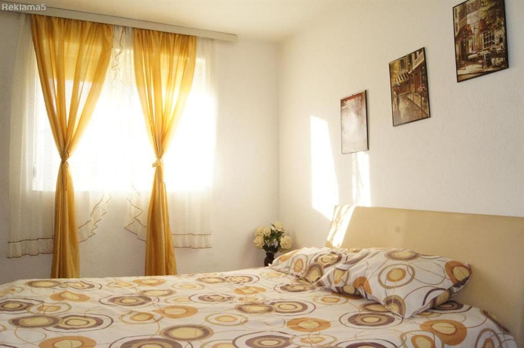 เตียงในห้องที่ Petrograd