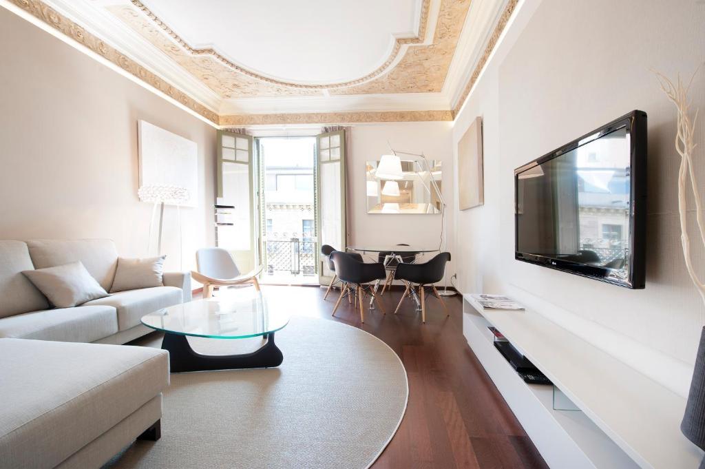 พื้นที่นั่งเล่นของ You Stylish El Borne Apartments