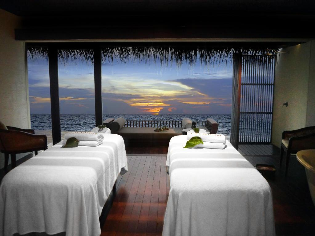 Spa by Clarins maldives