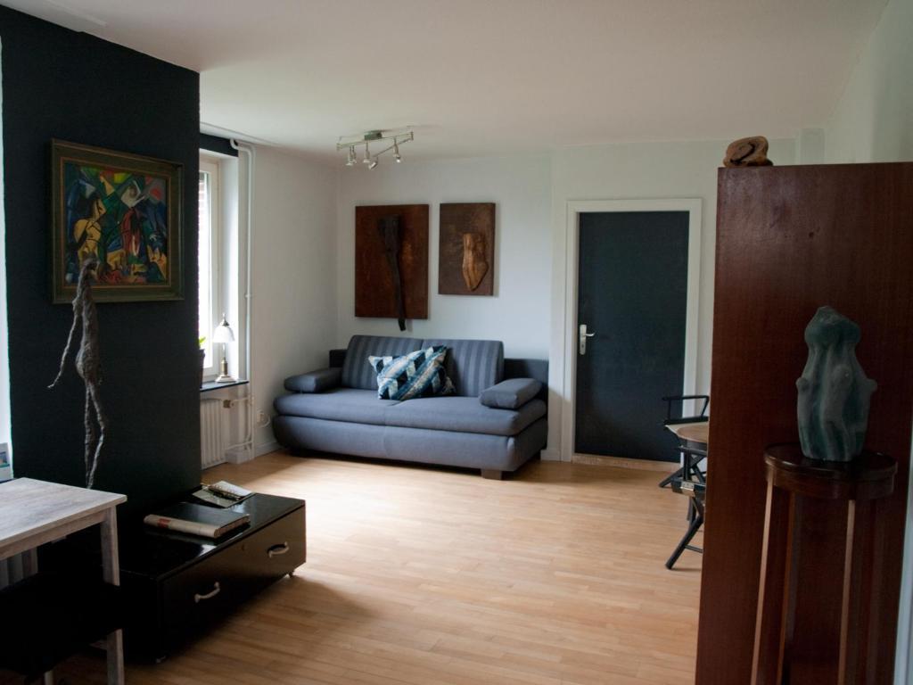 apartment art of living pl n germany. Black Bedroom Furniture Sets. Home Design Ideas