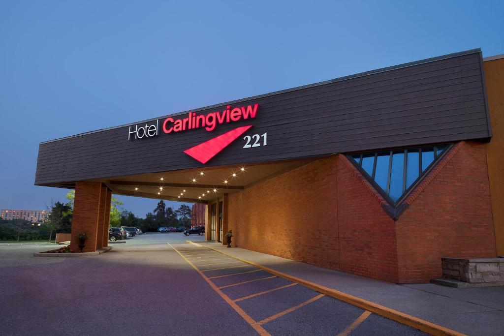 Hotel Carlingview Toronto Airport.