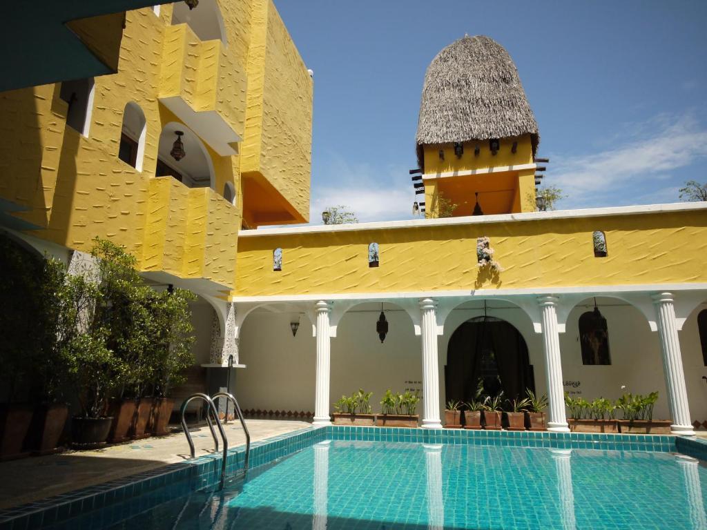 สระว่ายน้ำที่อยู่ใกล้ ๆ หรือใน Riad Hua Hin