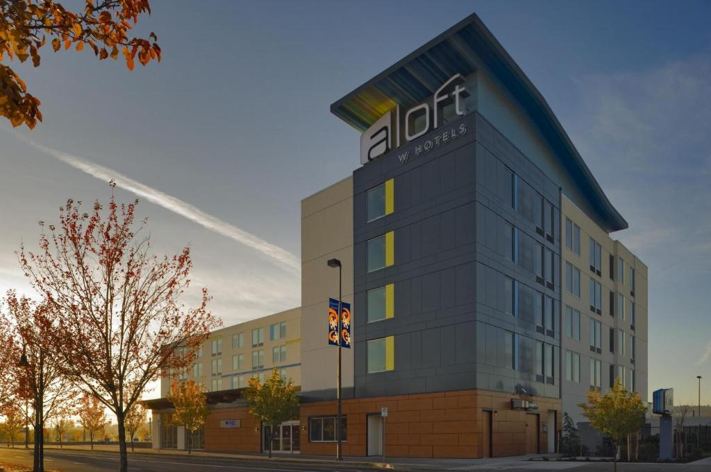 Aloft Portland Airport Hotel at Cascade Station.