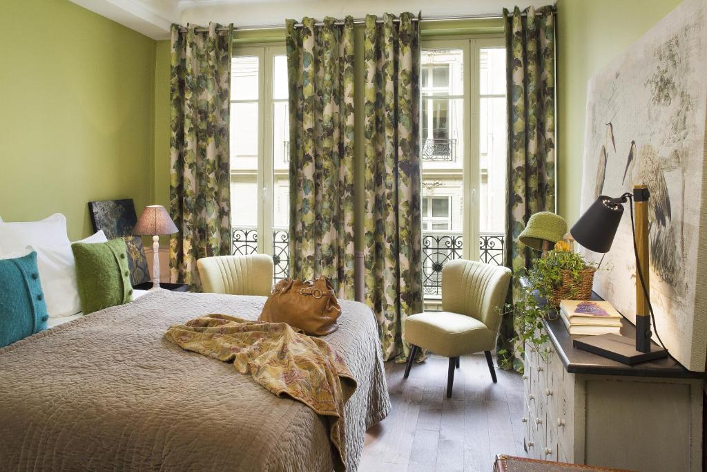 Hotel Le Petit Chomel in Paris France