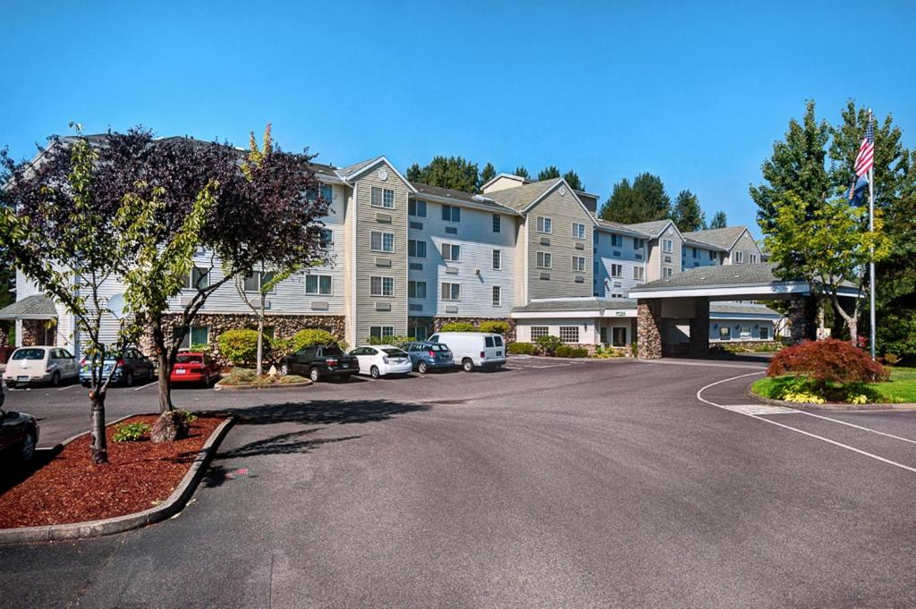 Country Inn & Suites by Radisson, Portland International Airport.
