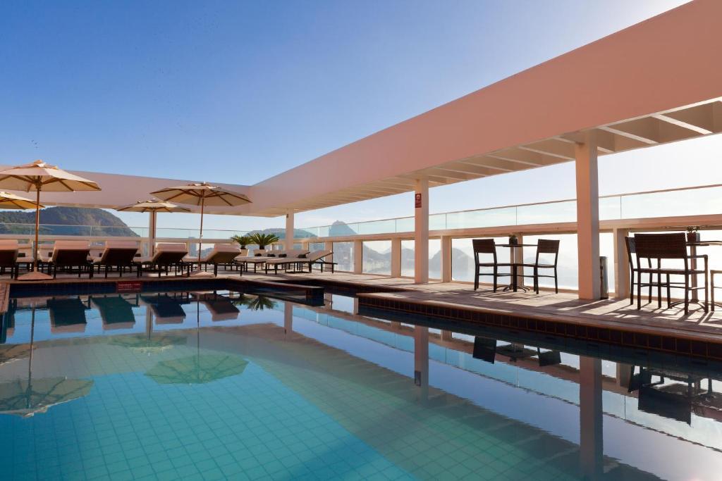 สระว่ายน้ำที่อยู่ใกล้ ๆ หรือใน Rio Othon Palace