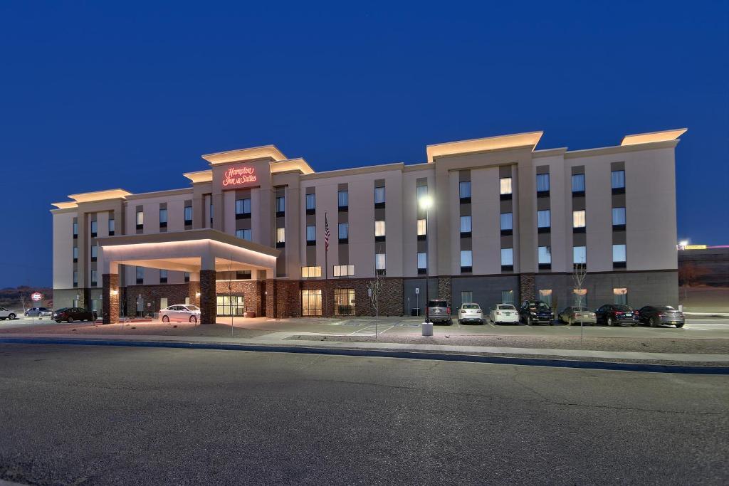 Hampton Inn & Suites Albuquerque Airport.