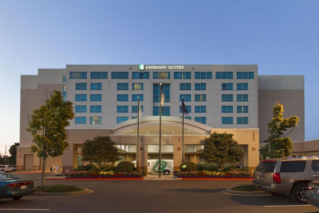 Embassy Suites Portland - Airport.