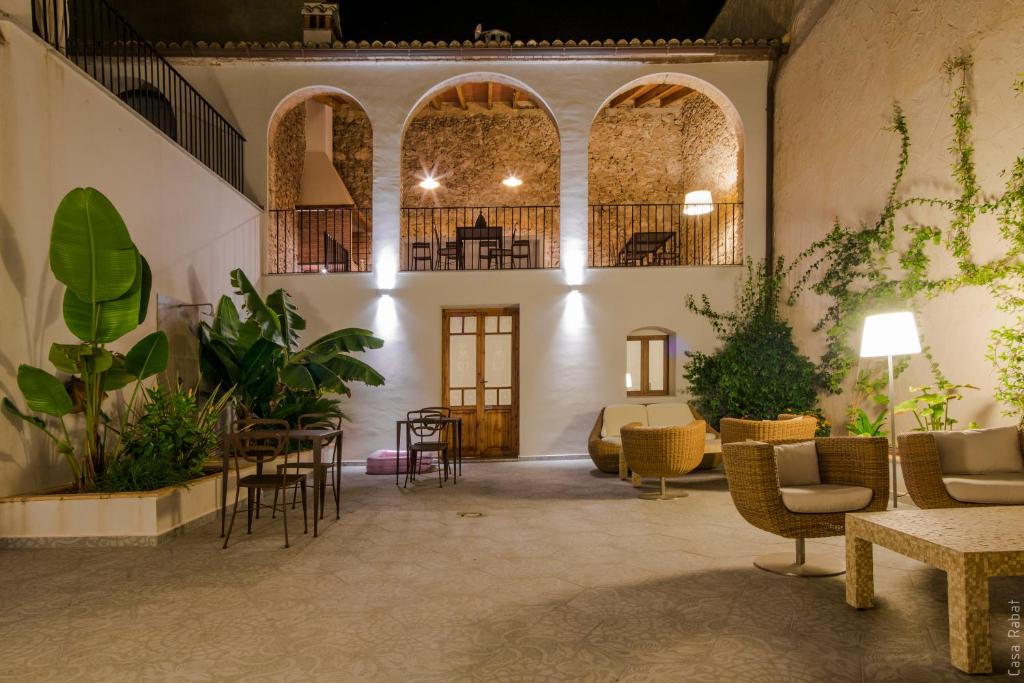 boutique hotels in valencia  80