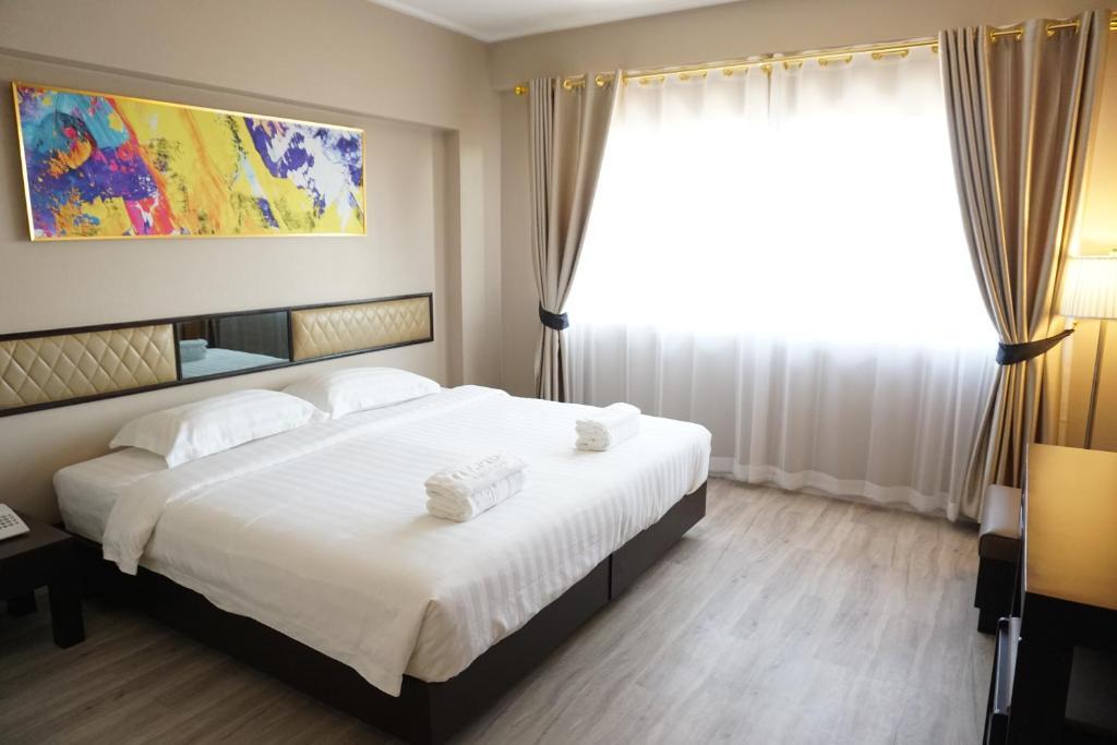 taris art hotel