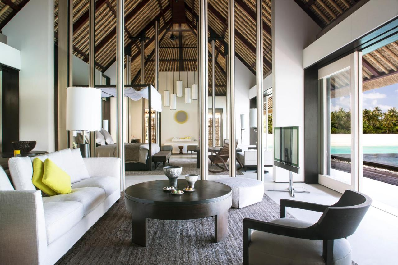When would you like to stay at Cheval Blanc Randheli?