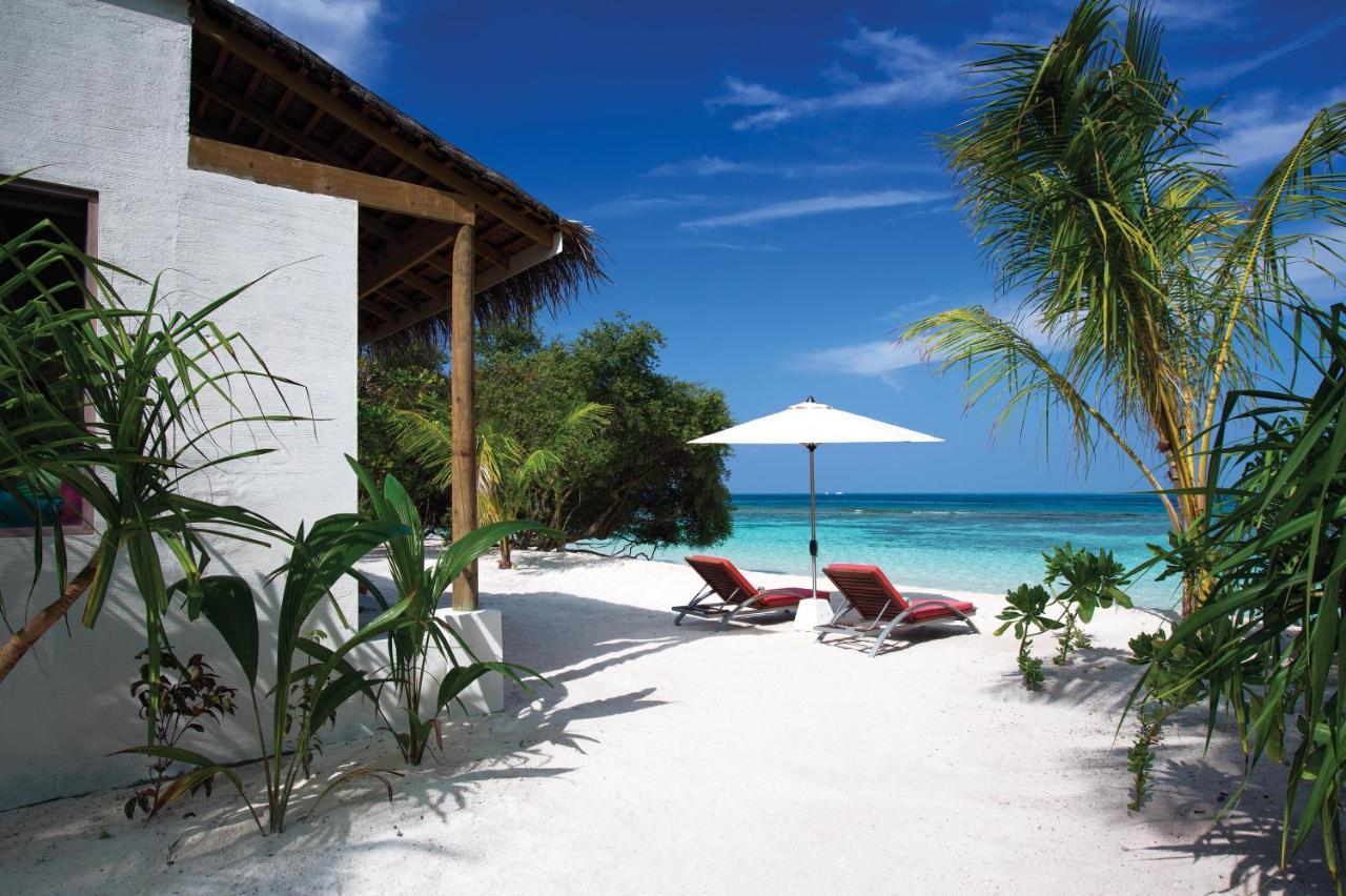 Курортный отель Oblu by Atmosphere at Helengeli расположен на атолле Северный Мале, в 50 минутах езды на скоростном катере от международного аэропорта Мале.