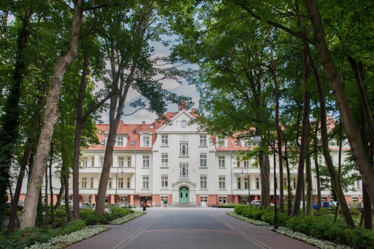 80291897 Swinemünde Ferienwohnung / Hotel mit Pool 🇵🇱 Gastgeber