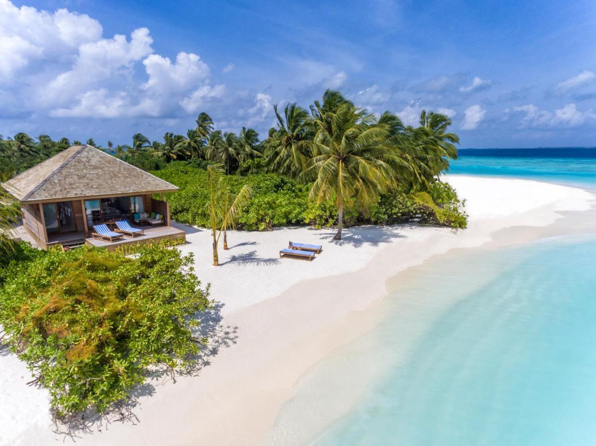 Featuring direct beach or lagoon access, LUX* South Ari Atoll's 5-star rooms have chic beach-house style furnishings and outdoor seating areas. They boast flat-screen TVs and chaise lounges. For convenience, a coffee machine and minibar are provided.