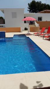 สระว่ายน้ำที่อยู่ใกล้ ๆ หรือใน Villa Vista