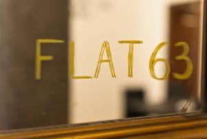 ใบรับรอง รางวัล เครื่องหมาย หรือเอกสารอื่น ๆ ที่จัดแสดงไว้ที่ YHR Flat 63