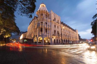 Queen's Hotel (皇后酒店)
