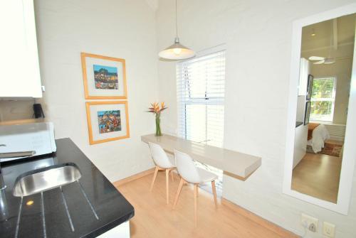 Private, romantic studio apartment